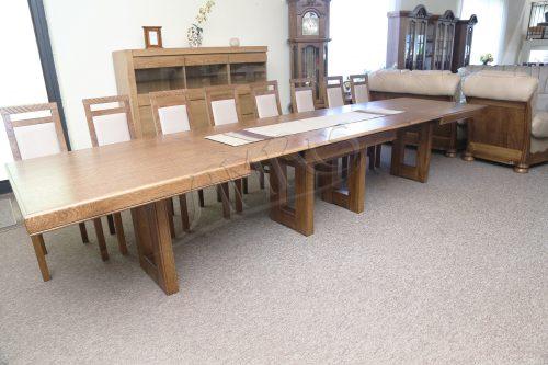 przykład stołu dębowego borneo do salonu